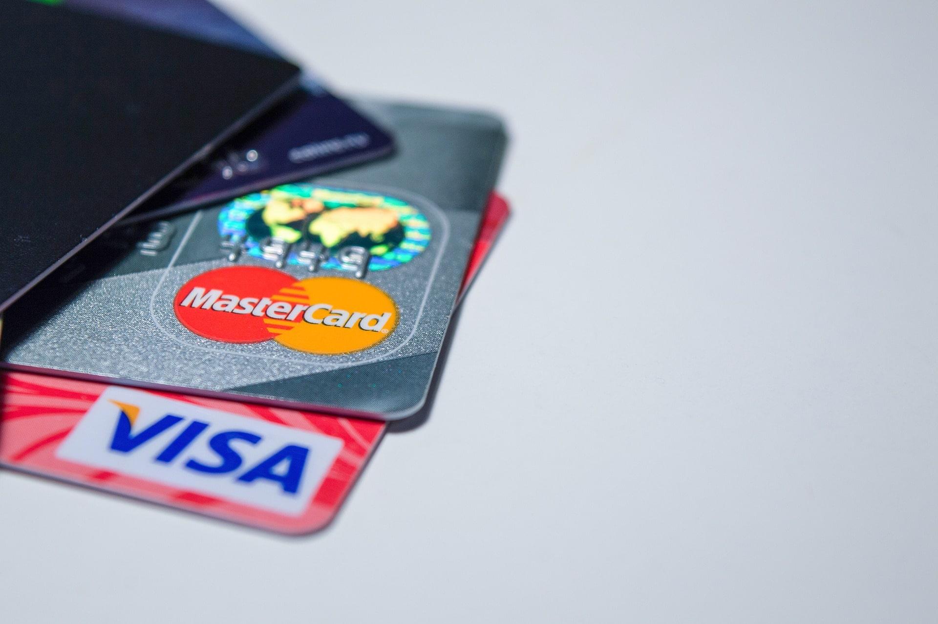 где можно снять деньги с карты райффайзен банка без комиссии на карте как узнать где находится человек по номеру телефона бесплатно мтс